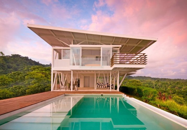 Case da sogno villa di lusso in mezzo alla foresta costa for Case di architetti moderni