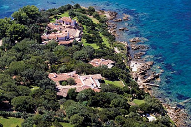 Interni Di Villa Certosa : Berlusconi e la sua collezione di ville extra lusso il sole ore