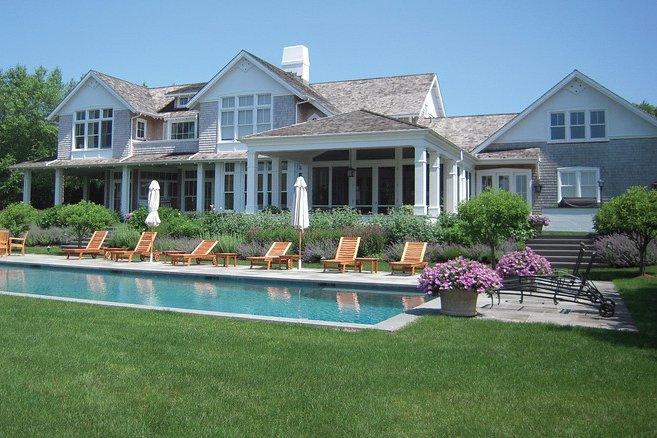 Case da sogno una villa sul lago a long island new york for Costruire una casa sul lago