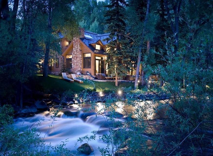 Case da sogno in poltrona nei boschi in riva al fiume for Case moderne nei boschi