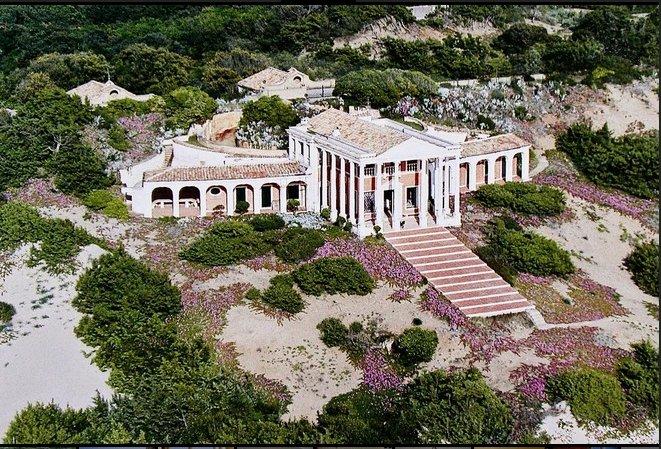 Case da sogno nel regno neoclassico sul mare della for 3 case di storia in california