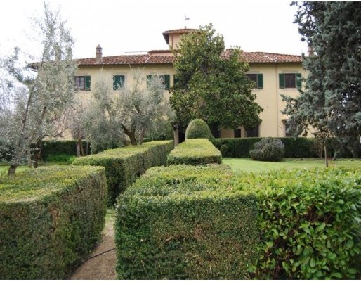Vacanze di lusso a villa spelman a firenze ti avvolge la for Piani di una casa di lusso di una storia