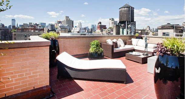 Case da sogno privacy in veranda sul cielo di manhattan for Stanze in affitto new york manhattan