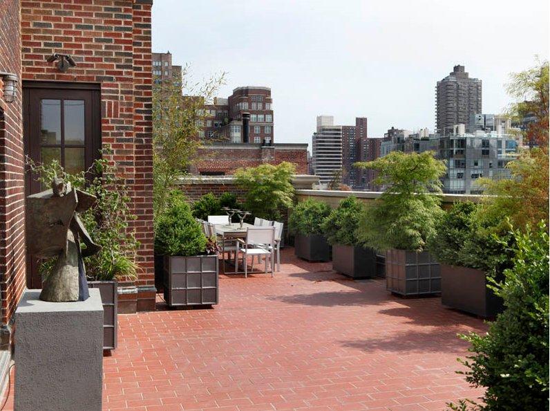Case da sogno privacy in veranda sul cielo di manhattan for Case in vendita new york manhattan