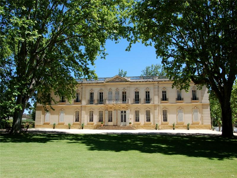 Case da sogno castello del 17 secolo in provenza for Case che sembrano castelli