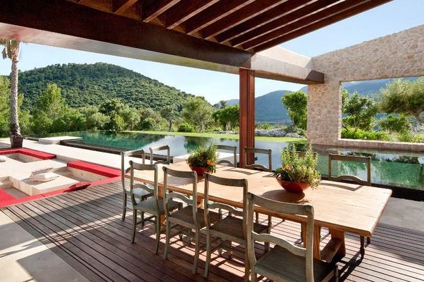 Case da sogno relax assoluto nel rustico design a maiorca for Piani di casa con suite per gli ospiti