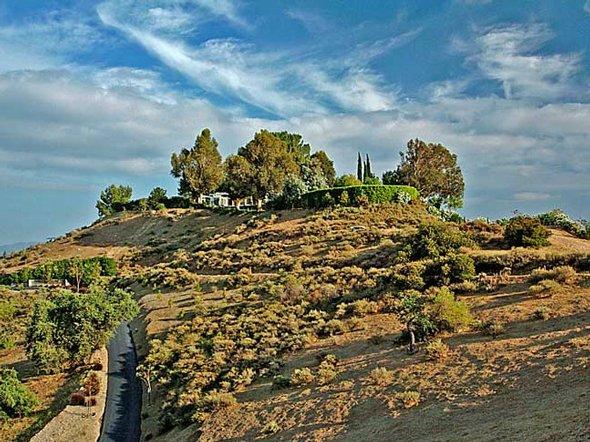 Case dei vip in vendita la casa delle feste di frank for 3 case di storia in california
