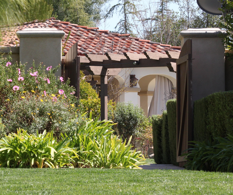 Case dei vip justin bieber compra casa in california e for Case in stile spagnolo