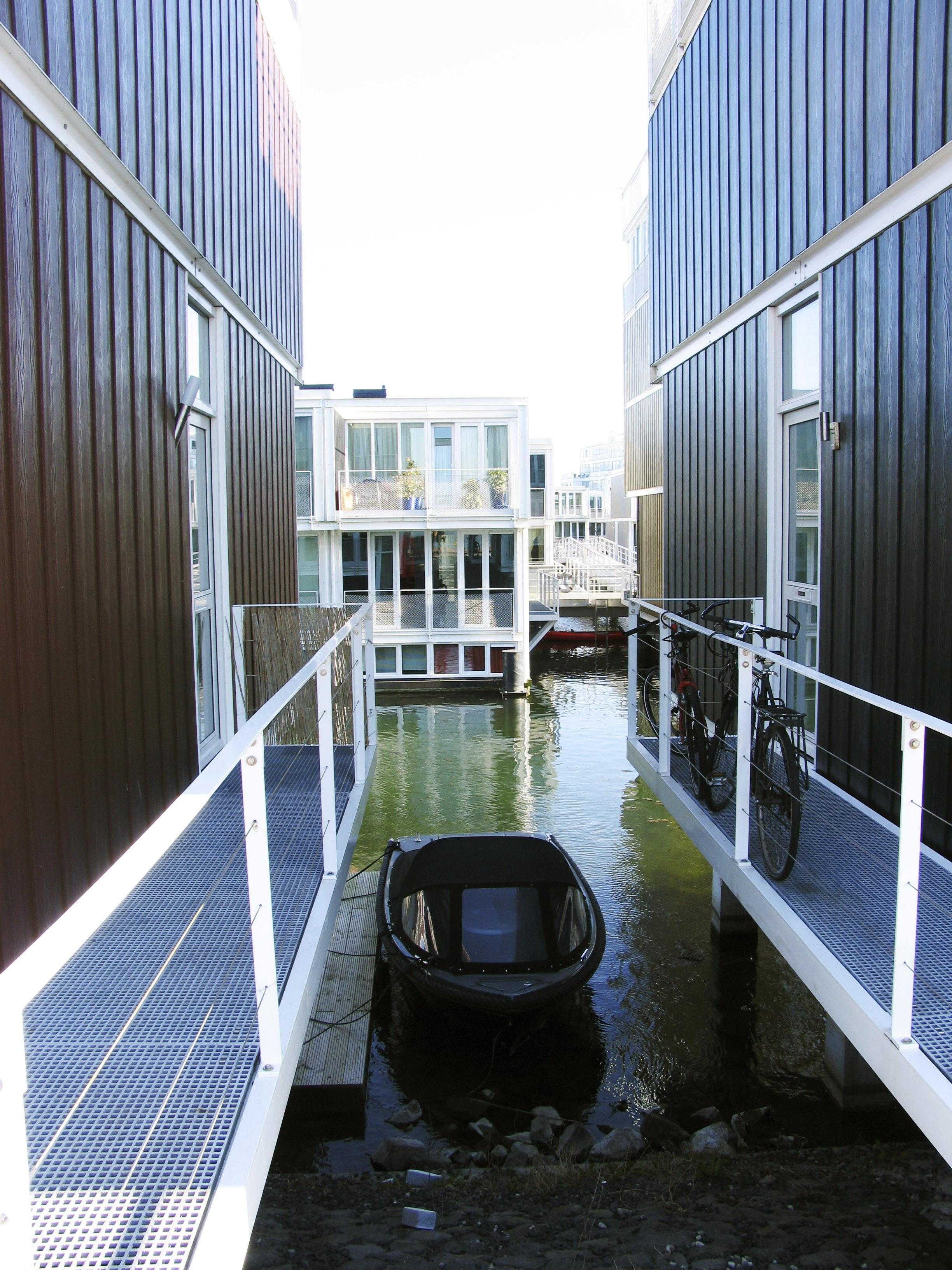 Architetti famosi le case anfibio sulle isole artificiali for Case di architetti