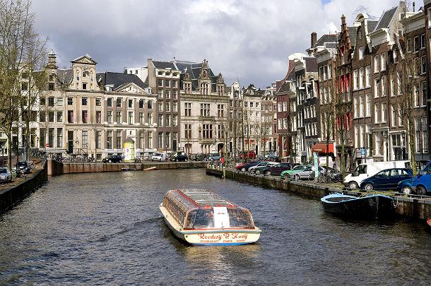calano i prezzi delle case ad amsterdam