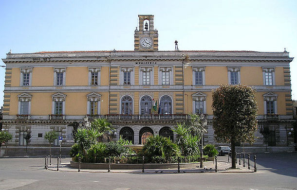il municipio di afragola (wiki commons cc)