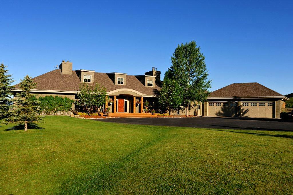 La casa da sogno un ranch di lusso immerso nella for Aggiunta di garage ranch rialzato
