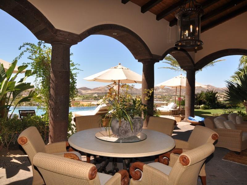 Casa da sogno villa nel deserto messicano con vista sull for Arredamento messicano