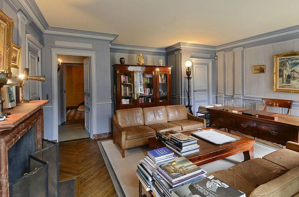 Case da sogno l 39 eleganza parigina di una villa nascosta for Interni parigini