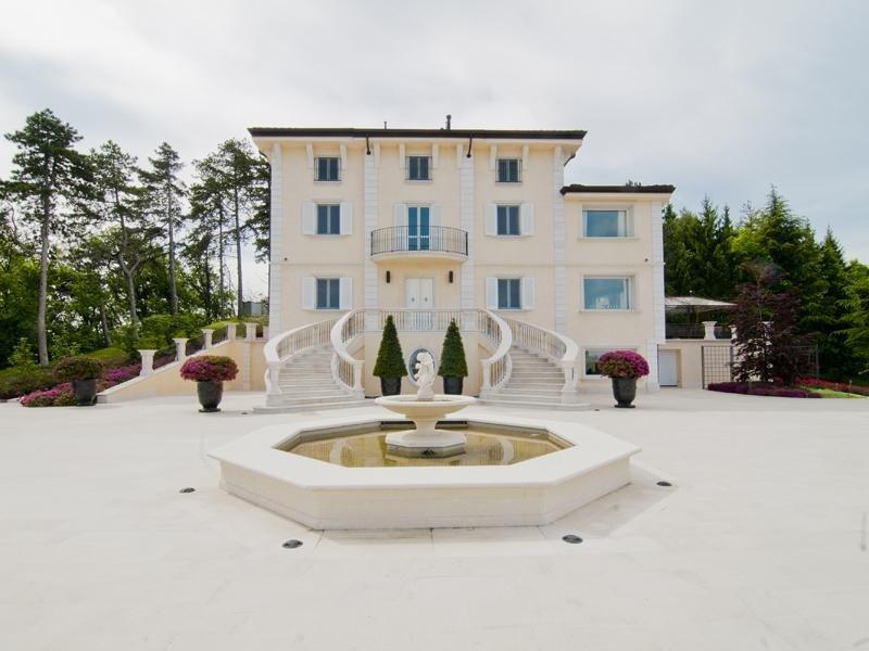 villa fortunago, italia