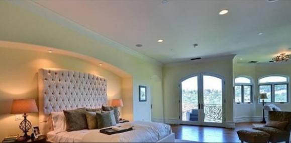 kim kardashian e kaney west comprano una villa a bel air da 8,3 ... - Arredamento Casa Kardashian
