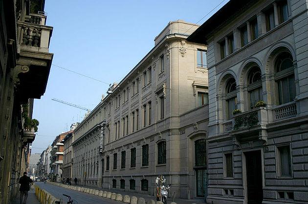 la sede del corriere della sera in via solferino. foto: giovanni dall'orto. wikicommons