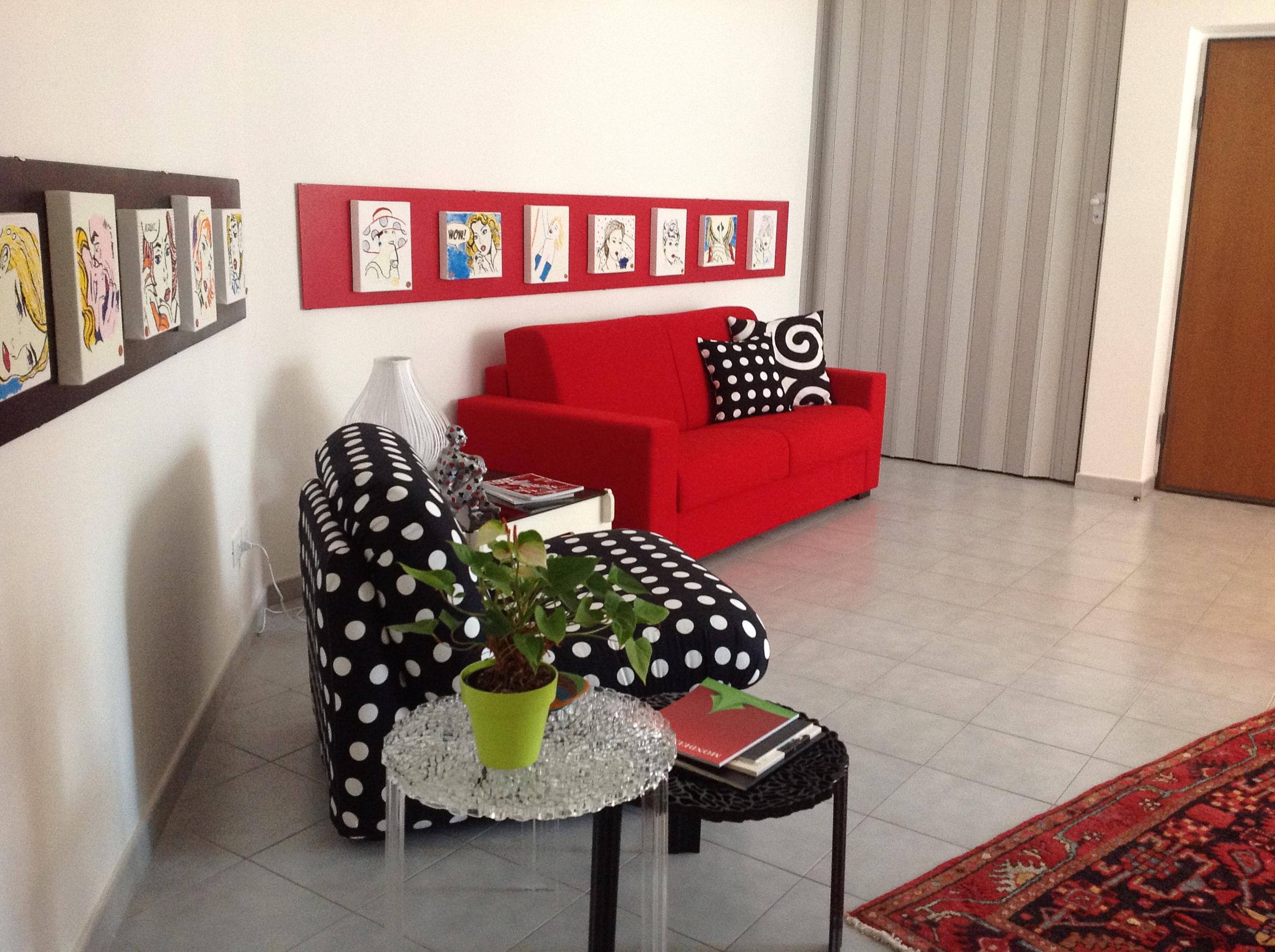 Come preparare una casa per le vacanze e affittarla in for Quadri cucina ikea