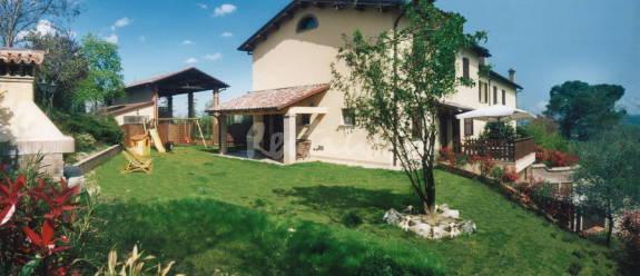 Casa del week end un 39 antica villa colonica nella campagna for Casa colonica coloniale