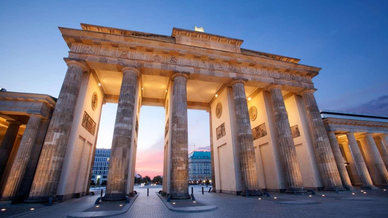 Eleganza sobria a berlino l 39 hotel con vista sulla porta for Designhotel brandenburg