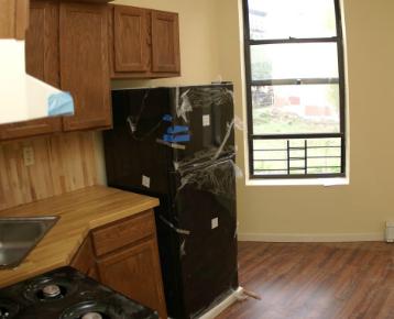 In affitto a new york un appartamento di 9 m2 per for Affitto monolocale new york