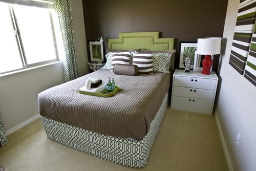 Idee utili per arredare una stanza da letto piccola for Habitaciones de adultos decoracion