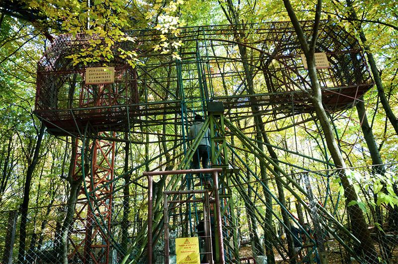 L Incredibile Parco Dei Divertimenti Costruito A Mano Tra
