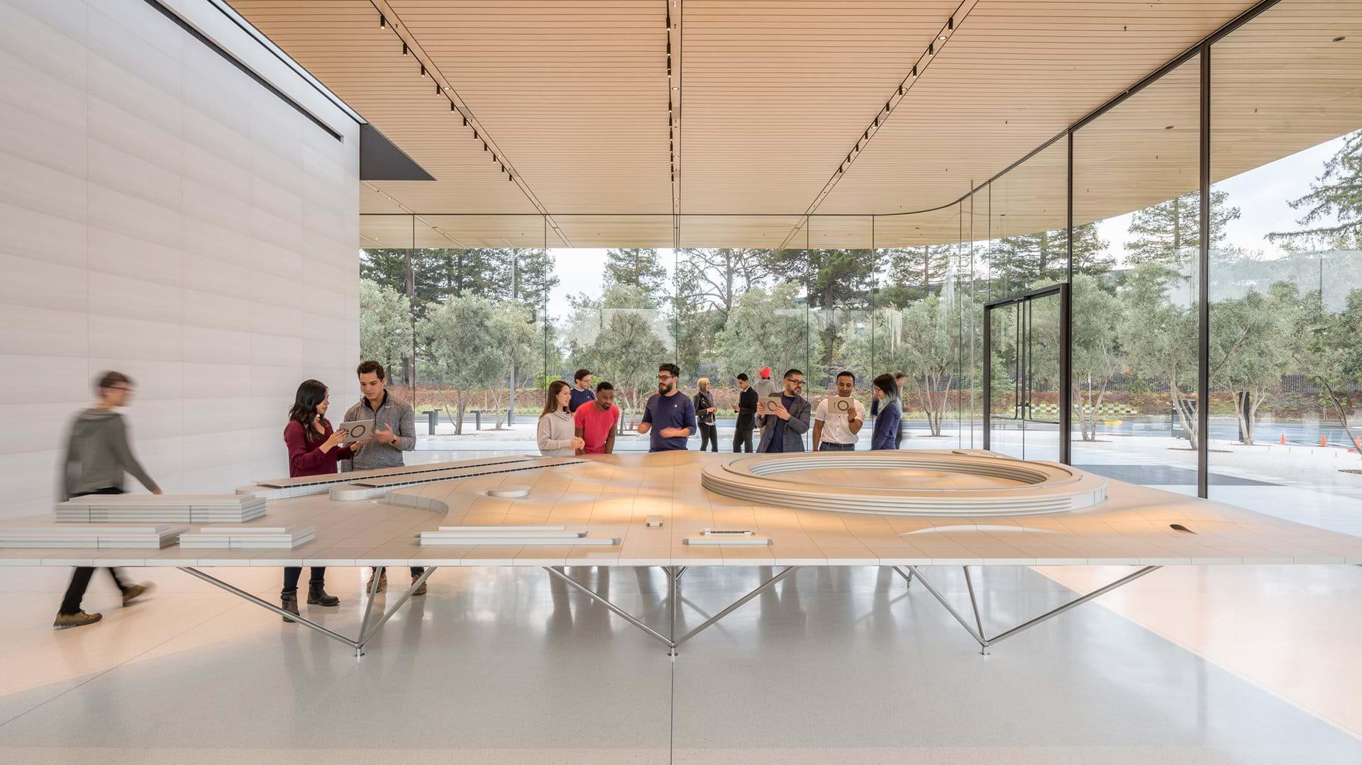 Apple park, visitors center / fosterandpartners.com