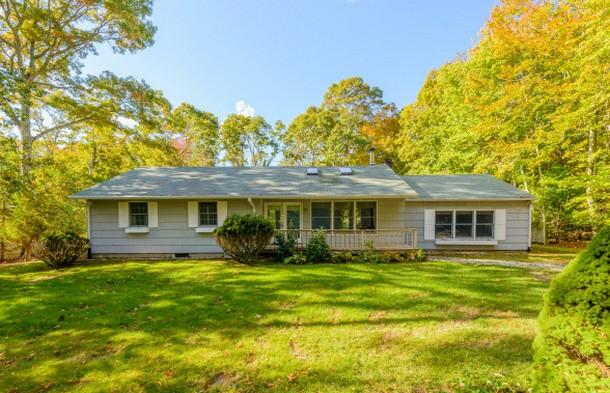 immagini della casa che si può comprare anche in bitcoin, dal sito web bhshamptons.com