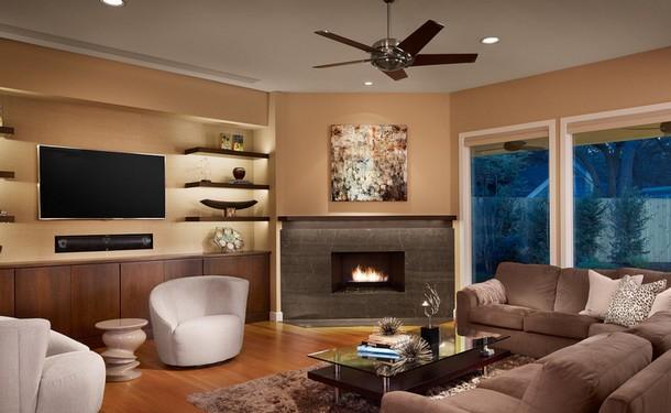 7 modi per fare convivere il caminetto e la televisione for Living con camino