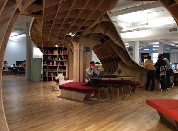 Addio ai mini spazi ecco un incredibile tavolo da lavoro - Mobili per cantine ...
