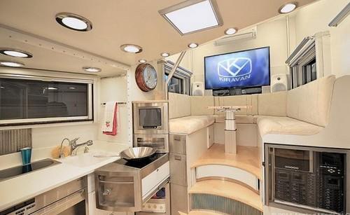Un loft di lusso sulle ruote questo kiravan il caravan pi grande e moderno del mondo foto - Interni camper di lusso ...