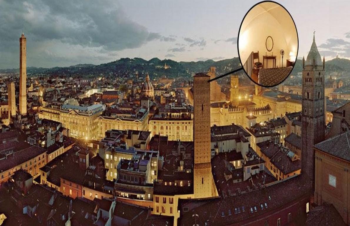 Camera con vista dormire in cima a una torre di oltre 900 for Dormire a bologna centro storico