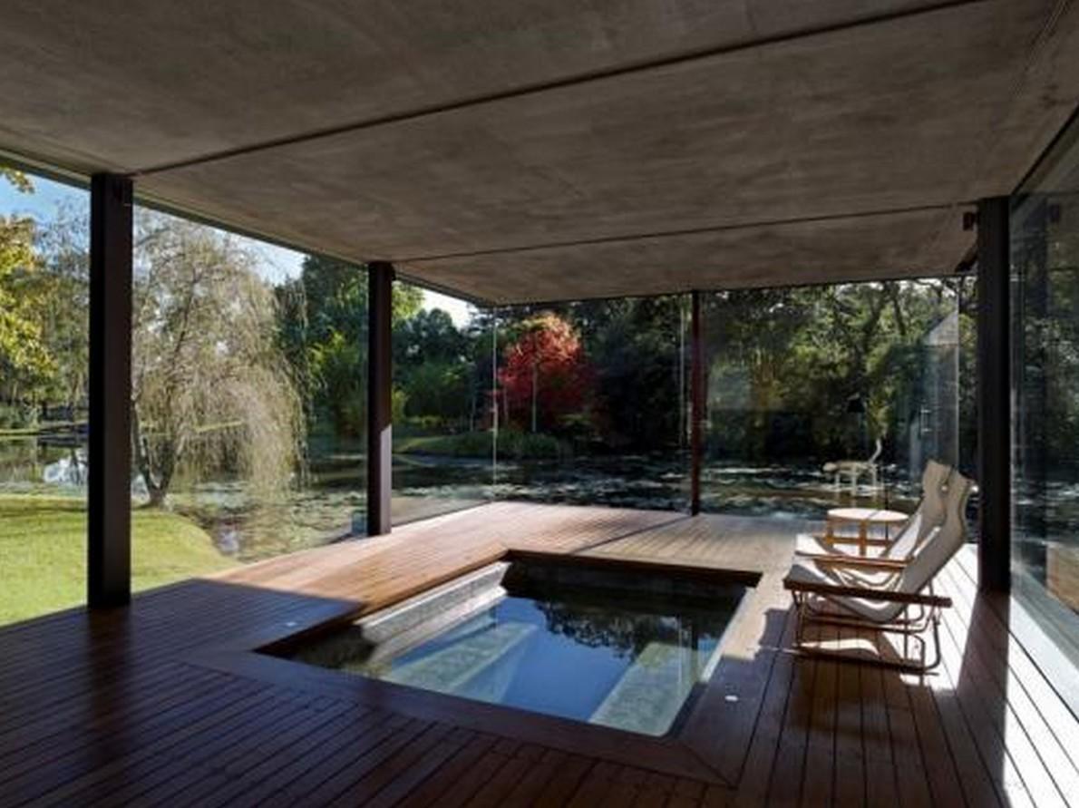 In Australia una casa minimalista in legno e vetro progettata da ...