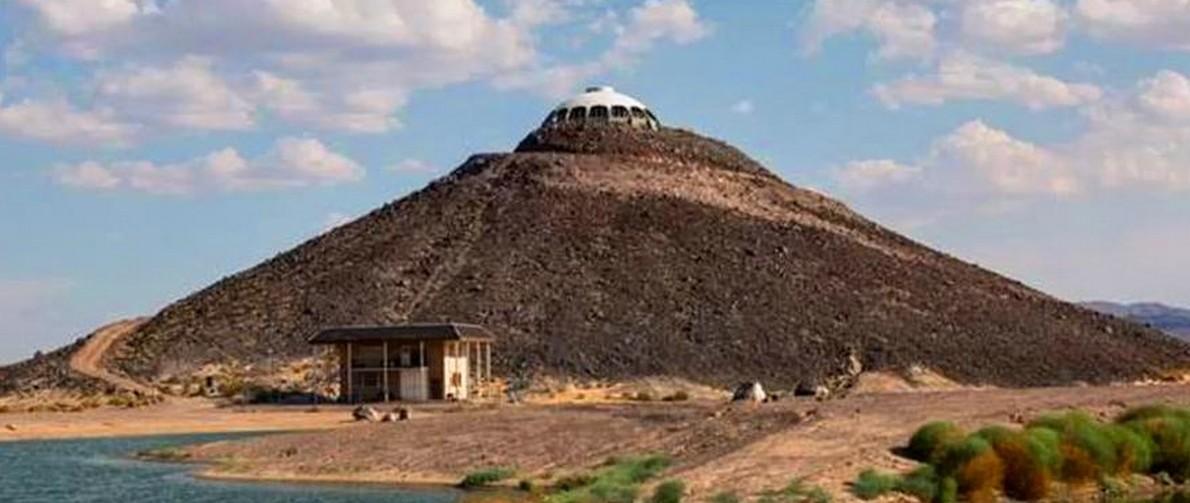 In california si vende una casa in cima a un vulcano degna for 3 case di storia in california