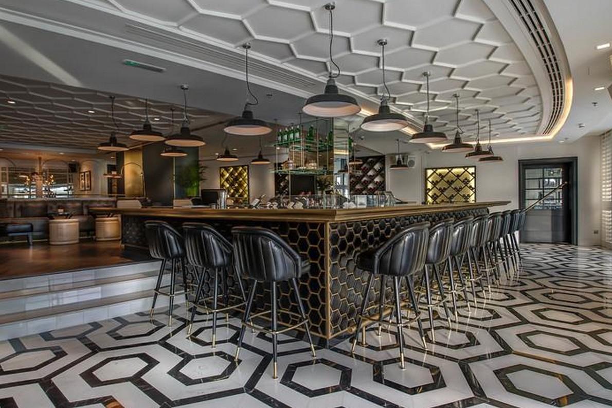 bar dal design moderno a Dubai