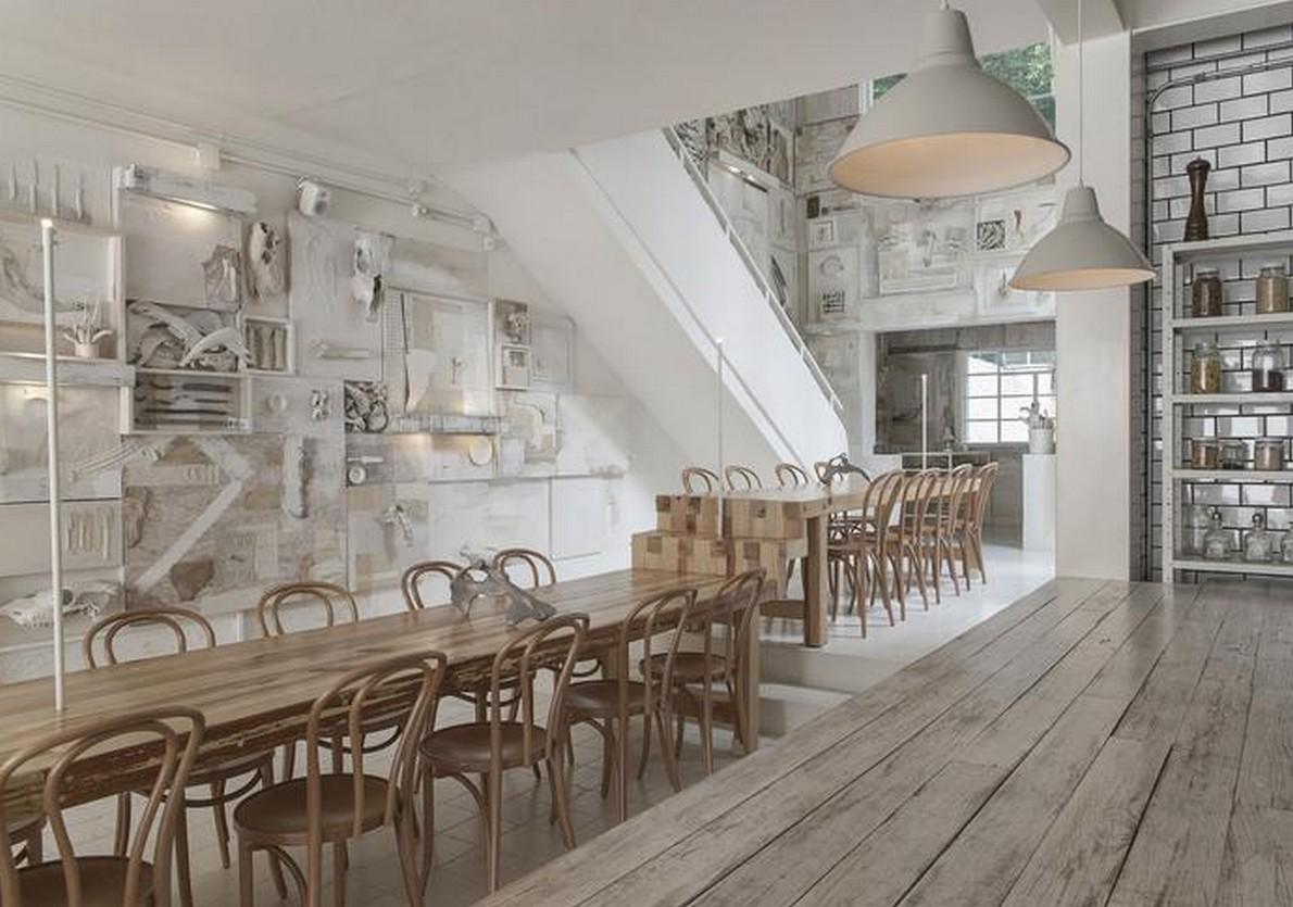 i tavoli di uno dei bar di design premiati