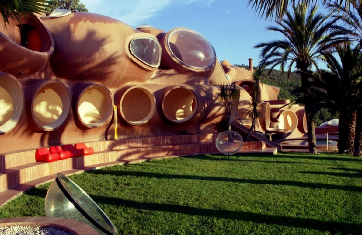 La casa ha forma di tentacolo