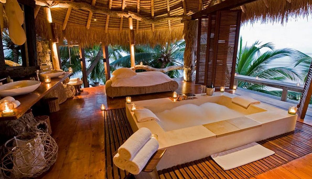 La camera da letto dell'hotel alle Seychelles