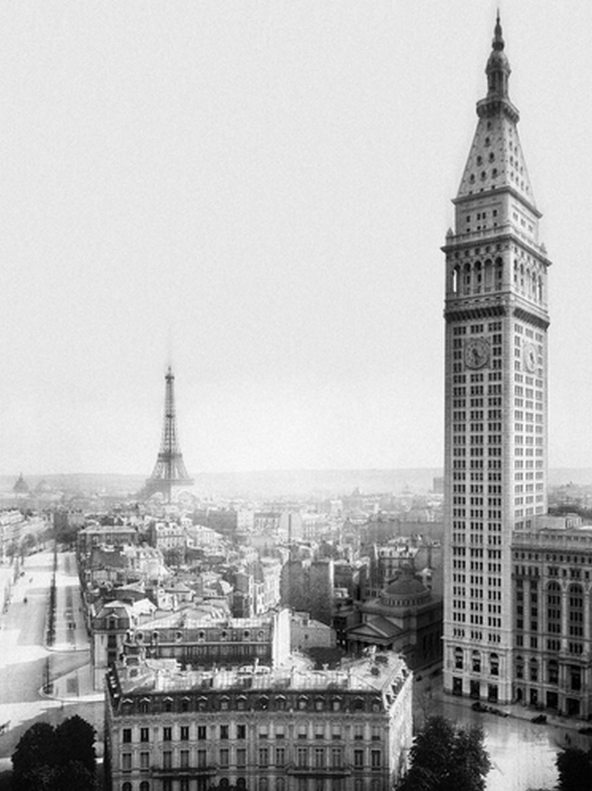 Come sarebbe la Torre Eiffel a New York