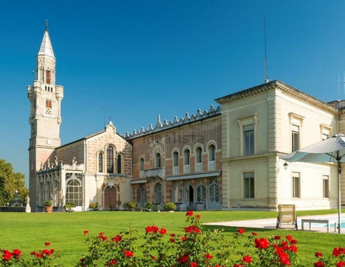 Un'immagine dell'edificio storico