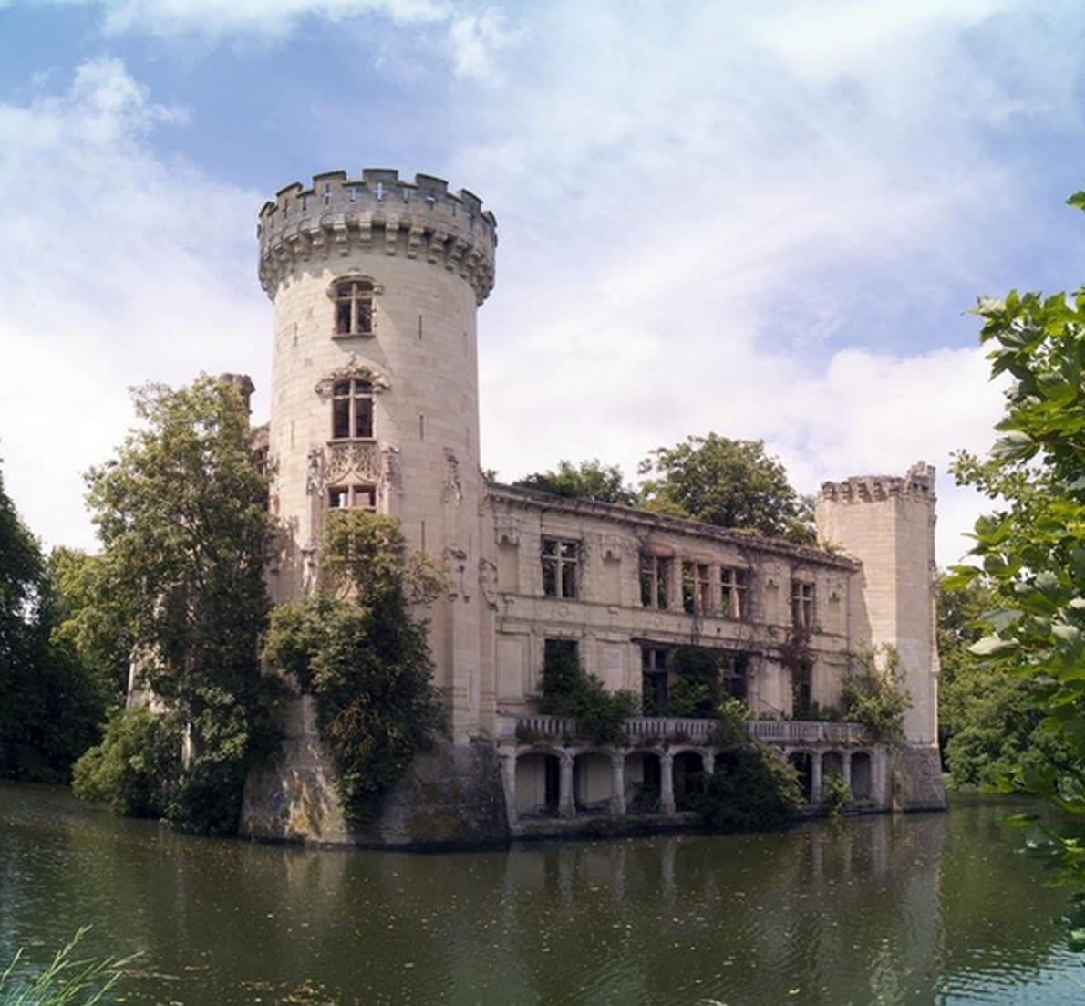 Il castello medioevale abbandonato