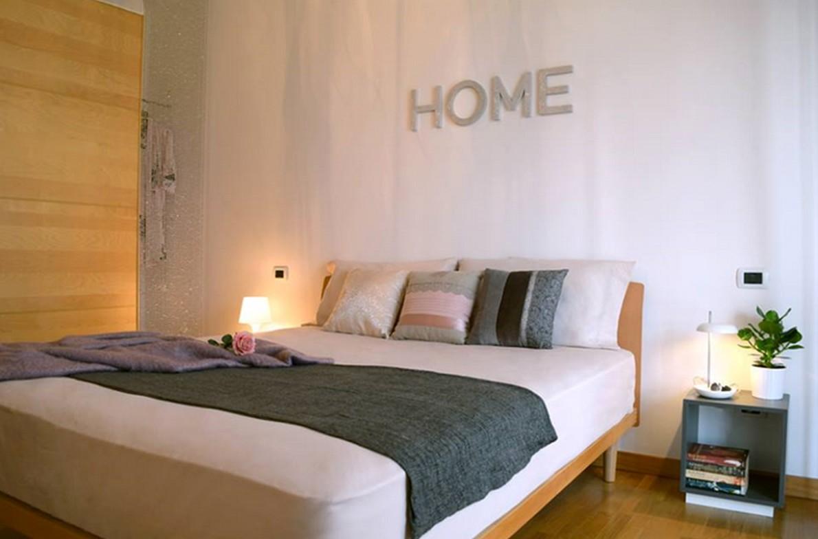 Scritte su pareti camera da letto tm13 pineglen - Decorare pareti con scritte ...