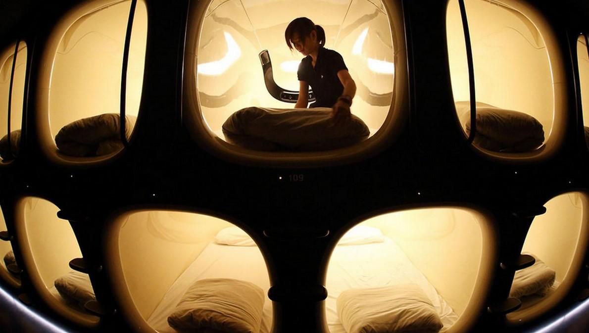 Hotel giapponese con camere - capsula