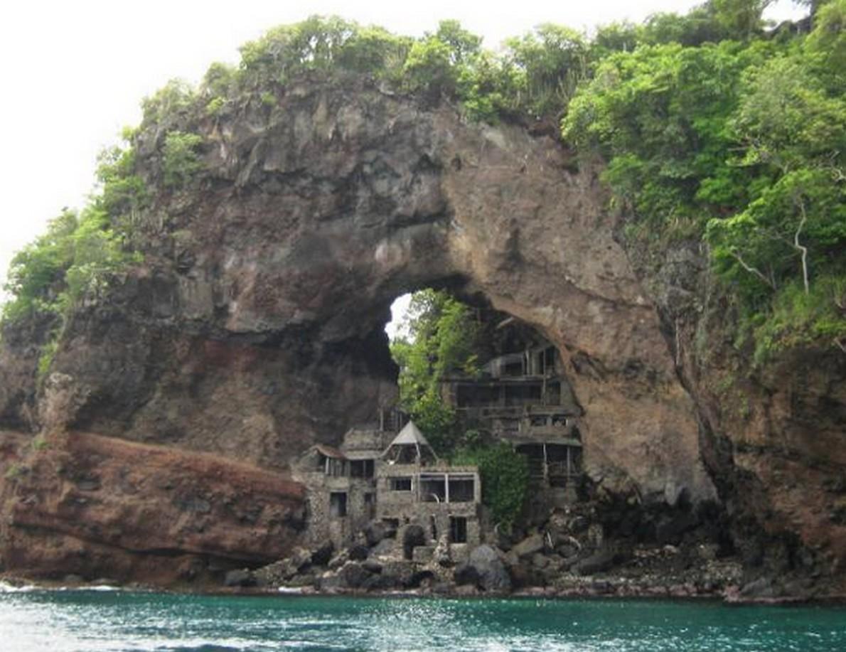 La casa in stile Robinson Crusoe ai Caraibi