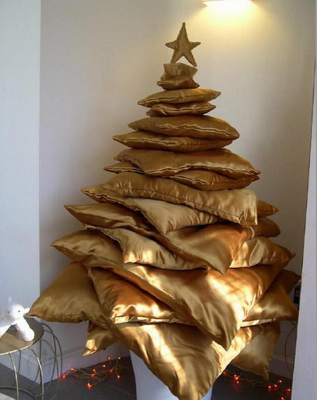 Albero di Natale fatto di cuscini