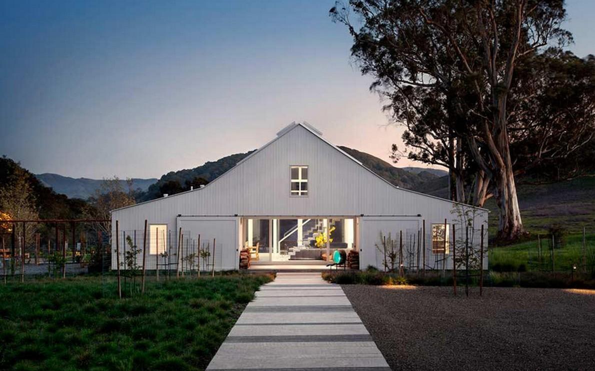 La facciata della casa ecologica di lusso
