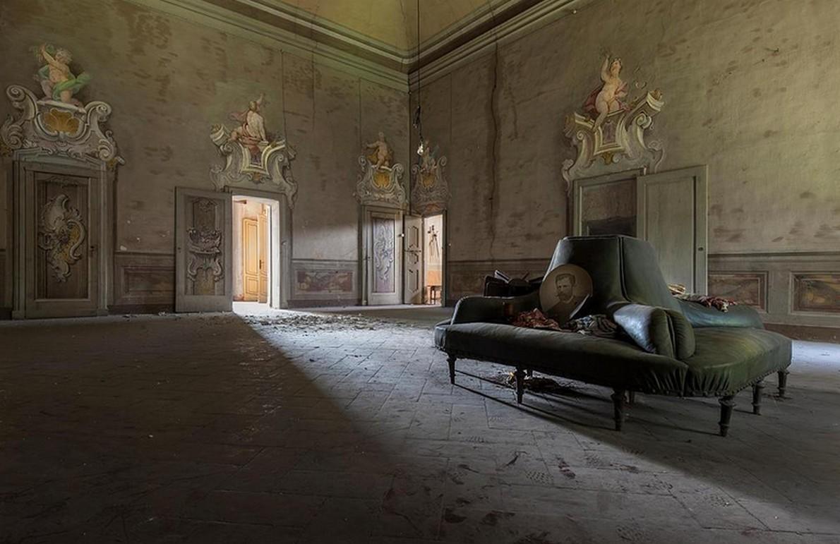 Interno di una delle case di lusso abbandonate with for Interni di case di lusso