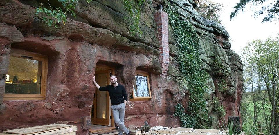 Il proprietario della casa nella caverna