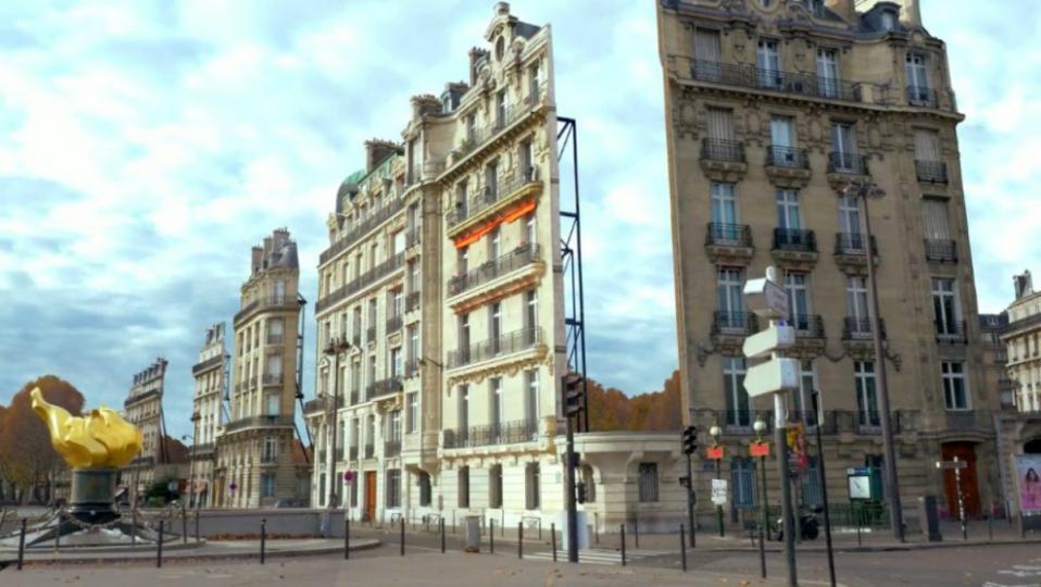 Una suggestiva immagine di Parigi ritoccata al computer